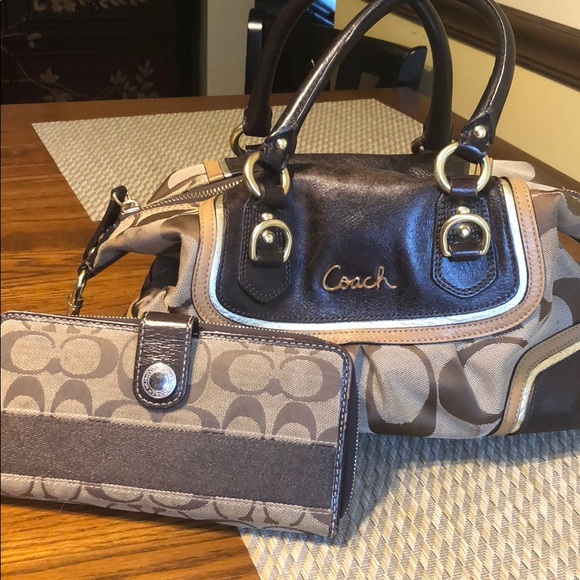 fc9975e1ff4 Coach Bags   Bag And Wallet   Poshmark